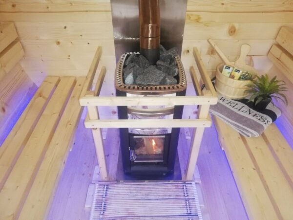 Fassssauna in Arnsberg - Innenraum Sauna-Rental.com
